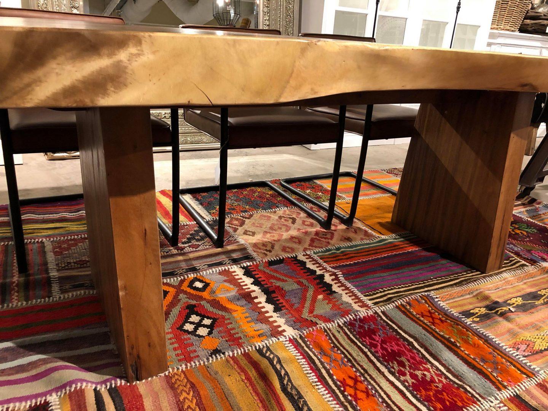 Matbord Gjord Ut Av Massivt Teak Trä Naturfärg Hos Javamöbler